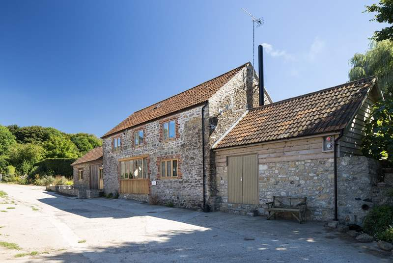 Sturthill Stable is a new barn conversion on a working dairy farm in the most beautiful Dorset countryside, just a few miles inland from The Jurassic Coast.