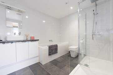 The spacious and modern bathroom.
