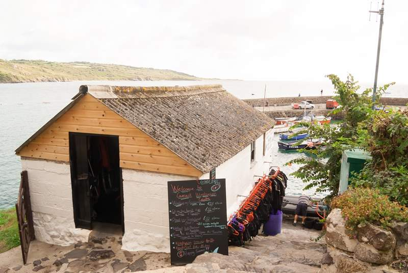 The windsurfing school where you can hire a kayak, paddleboard/SUP or take a windsurfing lesson.(seasonal)