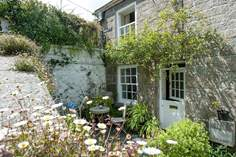 The Upper 18 - Holiday Cottage - 1.4 miles N of Mousehole