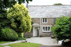 Cardwen Farmhouse - Holiday Cottage - 3.8 miles W of Looe