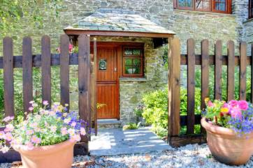 You are assured a warm welcome at Hendre Cottage.