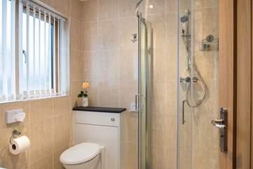 The shiny shower-room.