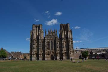 Wells Cathedral, the Bishop's Palace, and twice weekly markets make this a lovely little cathedral city to visit.