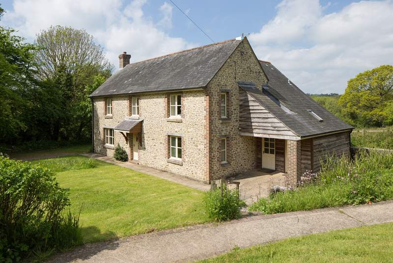 Beech Cottage is a wonderful five bedroom  farmhouse that comes with a large garden and a 450 acre nature reserve...on the doorstep!