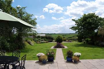 Wedlands Farmhouse has a fabulous garden and a fully enclosed paddock beyond it as well which is great for dog-owners though we know that there will always be some that are experts at escaping !