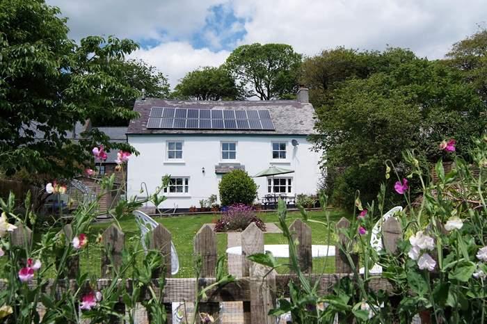 Cottages near Dartington Crystal