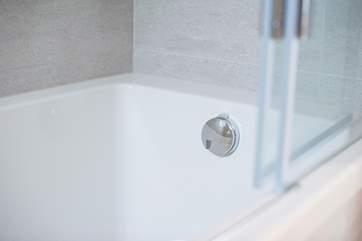 The lovely deep bath.