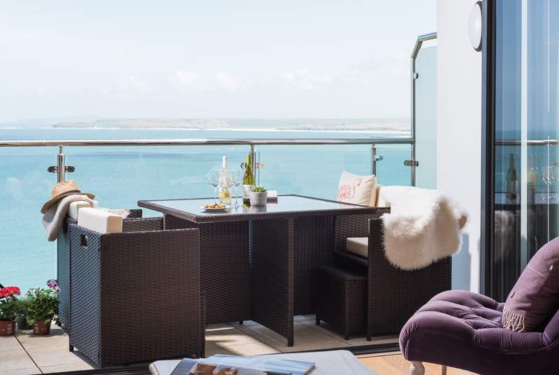 The gorgeous balcony, with fabulous views.