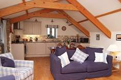 Molly's Barn - Holiday Cottage - 1.3 miles NE of Altarnun