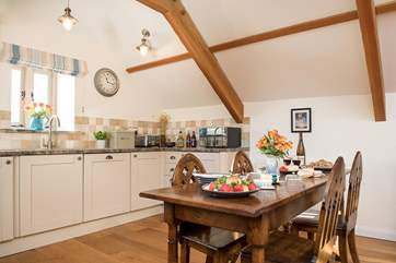 The lovely kitchen dining area