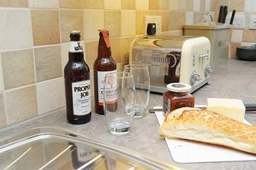 A cold Cornish beer and bread and cheese - a great holiday lunch.
