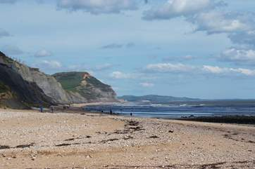 The Jurassic Coast is just a short drive away from this property. Fossil hunting is a must for families, with wonderful walking for dog owners too.