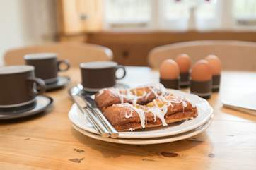 Start the day in style; try the Darling Deli just a short walk uphill in Combe Down for a classic cooked breakfast.