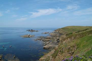 The Lizard peninsula is only a short drive away with spectacular coastal walks and scenery to explore.