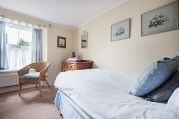 The single bedroom is opposite the double room at the front of the cottage.
