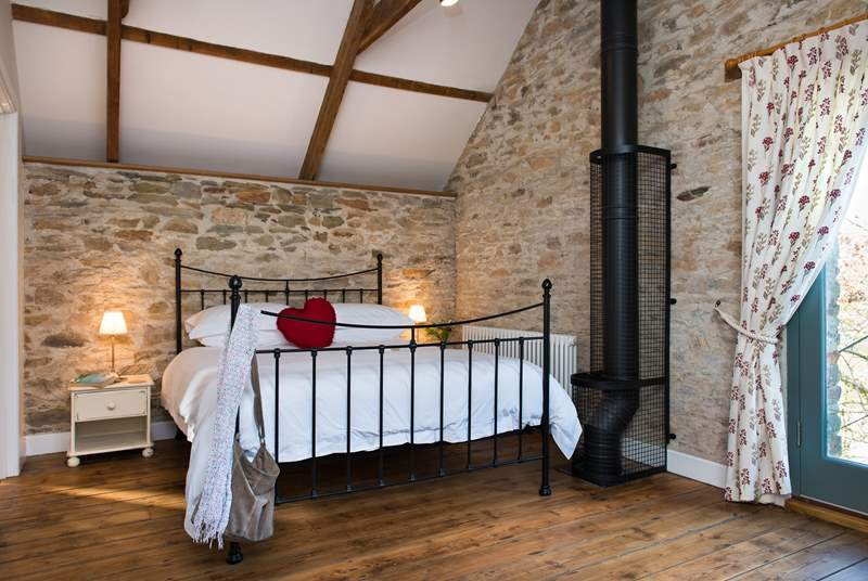 The double bedroom is gorgeous and has an en suite shower-room.