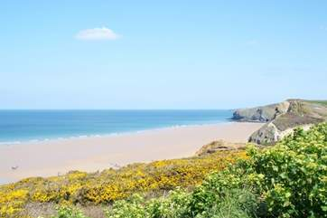 The golden sands of Mawgan porth.
