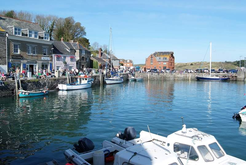 The harbourside town of Padstow is well worth a visi t- grab a bite to eat, join a boat trip or enjoy some retail therapy.
