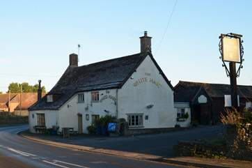 The White Hart at Bishop's Caundle serves great food, real ales and fine wines.
