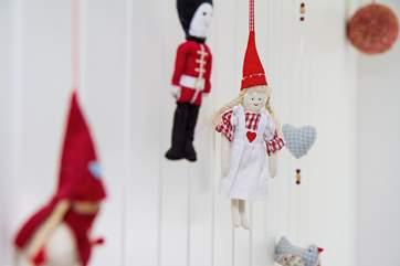 Charming touches such as these are found throughout the cottage.