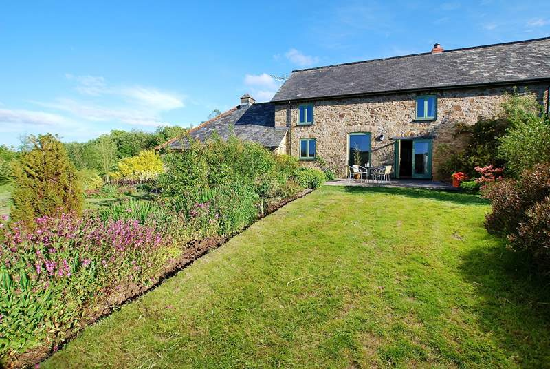Medley's Cottage basking in sunshine.