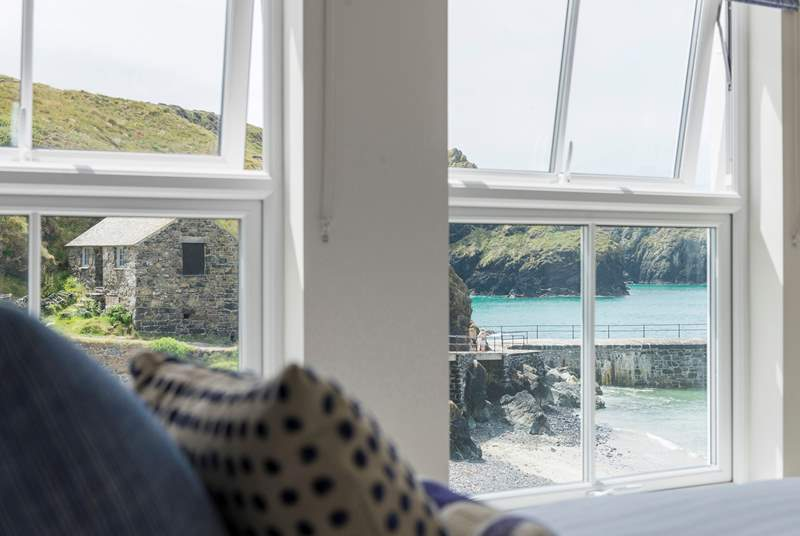 No need to get out of bed to enjoy the fabulous view.