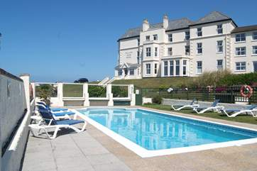 Guests staying in the apartments also have use of the facilities at the hotel including the solar heated outdoor swimming pool.