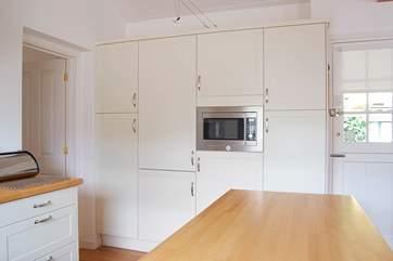 Plenty of kitchen storage.