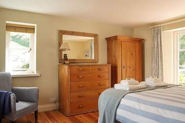 Bedroom 3 has a 5' double bed and sea views.