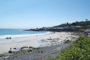 Coverack bay has a big child friendly sandy beach at low tide.