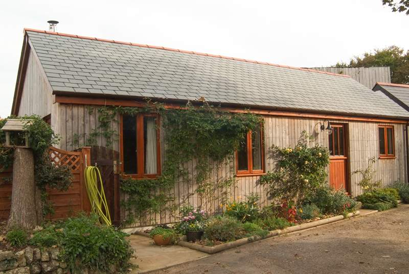 Wingfield Cottage is a wood-clad cottage built in 2016.
