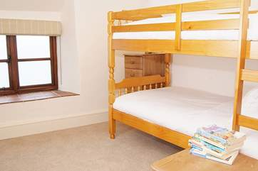 The bunk bedroom - 3ft bunks so can be used by adults too.