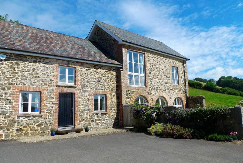 The Coach House is the whole of this very attractive detached property, with reverse level accommodation to make the most of the views. The amount of space here is exceptional.
