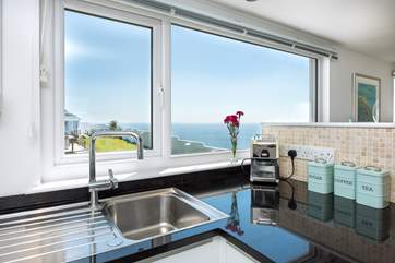 You wouldn't mind being tied to the kitchen sink with a view like that!