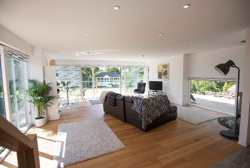 Lovely airy space that leads out to the garden.