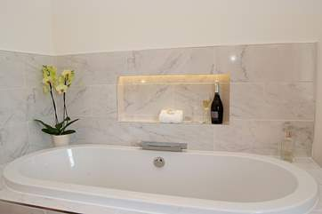 Don't forget to bring the bubbles - both for the bath and for your glass!