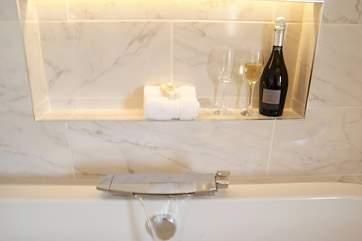 A handy shelf for your glass!