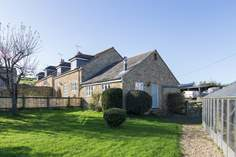 Badgers Cottage - Holiday Cottage - 3.8 miles E of Bridport