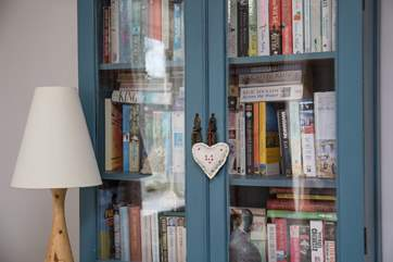 The cottage has a wonderful collection of novels and games to entertain.There are also outside toys that children can use.