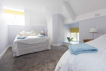 The second bedroom has a 4'6 double bed and a single bed.