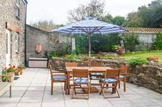Reskivers Cottage - Holiday Cottage - 8.5 miles NE of St Mawes