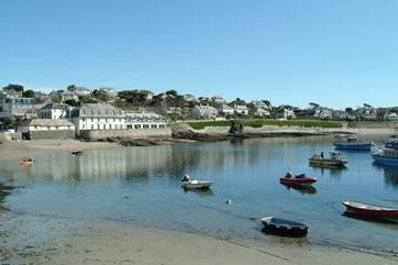 Reskivers Cottage is just eight miles from lovely St Mawes, home to beaches, yachts, gorgeous little shops and galleries and lots of wonderful eating places.