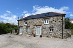 Alicia's Barn - Holiday Cottage - 1.3 miles N of Portscatho