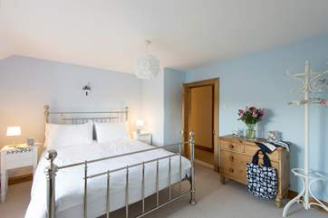 Bedroom 1 has a 5' double bed and an en suite shower-room.