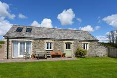 Little Barn - Holiday Cottage - 2.4 miles NE of Portscatho
