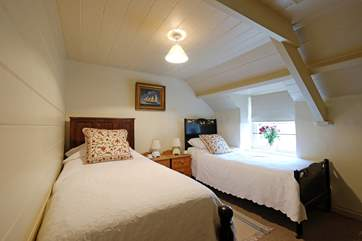 The slightly smaller of the twin bedrooms (the house is more suited to a maximum of 4 adults and 2 children than 6 adults)