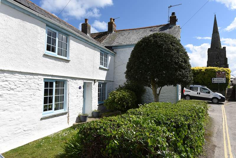 Veronica Cottage is in the heart of Gerrans.