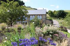 Little Coombe Barn - Holiday Cottage - 2.4 miles NW of Dartmouth