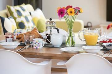 Beautiful table, perfect for dishing up a scrumptious breakfast.